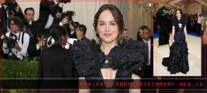 15 Fashion Unik ala Artis Hollywood di Event Met Gala