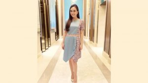 Model-Dress-Batik-Selutut-ala-Shandy-Aulia